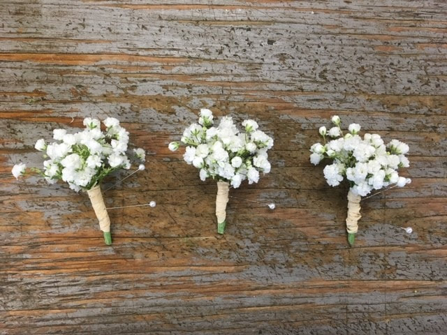 baby's-breath-wedding-floral-boutonniere-petal-and-bud-floral